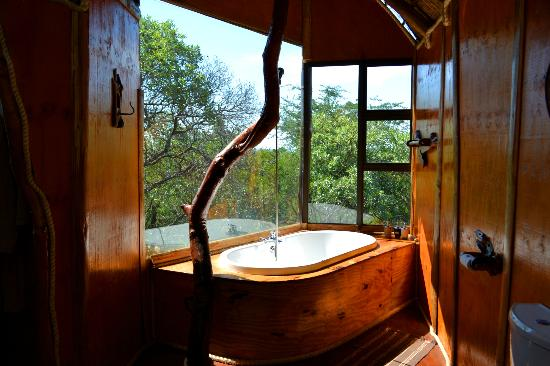 Pezulu Tree House Game Lodge: Badezimmer