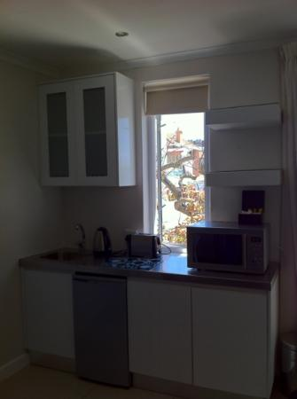 Oxford House: Kitchenette