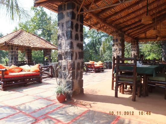 Nature Heritage Resort: Breakfast and lunch dining area