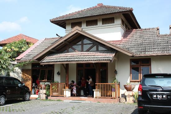 Rumah Mertua Boutique Hotel & Garden Restaurant & Spa: Façade