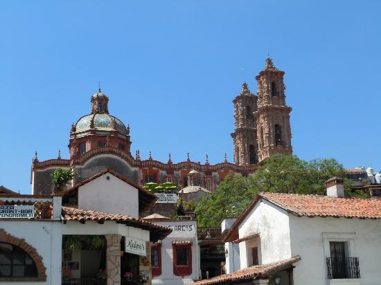 Romantic Taxco Tour: カテドラルがここにあります