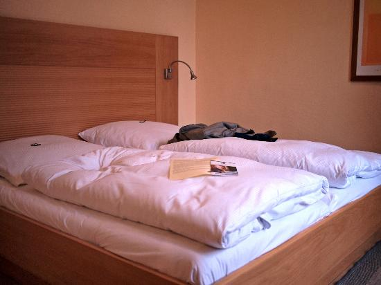 Best Western Hotel Bremen City: Nice beds with controls