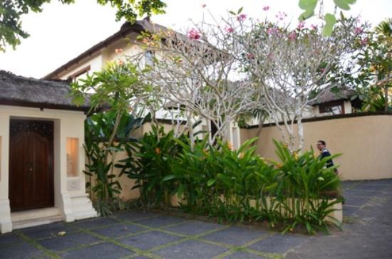 Pat-Mase, Villas at Jimbaran: Gate to Villa