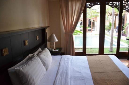 Pat-Mase, Villas at Jimbaran: The Bed