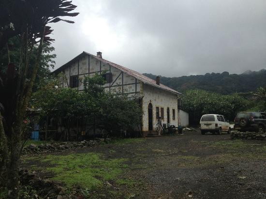 Equatorial Guinea: Centro de investigación y naturaleza en Moca, Bioko