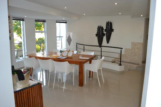 Villa Afrikana Guest Suites: Comedor