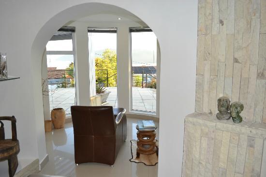 Villa Afrikana Guest Suites: Comodo sillon