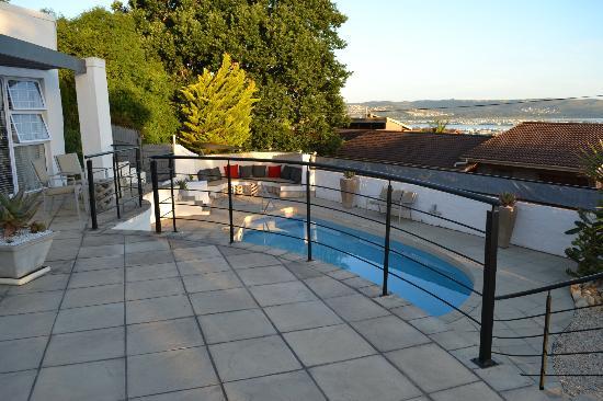 Villa Afrikana Guest Suites: La pile