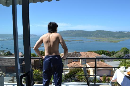 Villa Afrikana Guest Suites: Adriano apreciando la vista