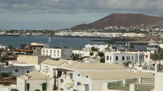 Hotel The Volcan: view to Playa Blanca