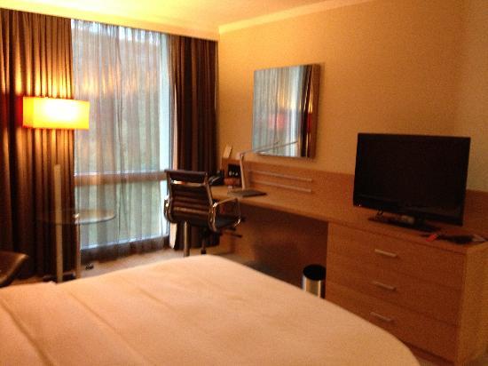 Hilton Zurich Airport: room 1