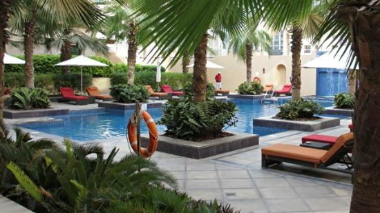 Vida Downtown Dubai: Pool Area at Qamardeen Hotel
