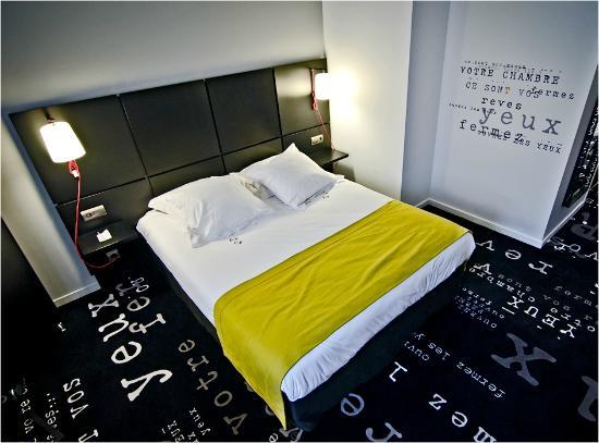 Kyriad Prestige Thionville Centre: Кровать.