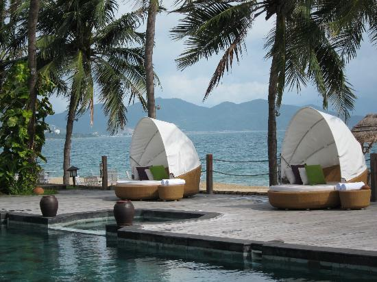 Evason Ana Mandara Nha Trang: Small pool near main restaurant