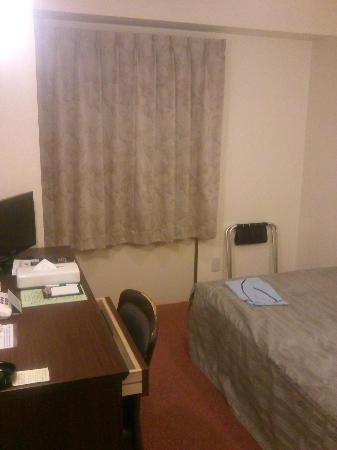 Ochanomizu St . Hills Hotel: ベッドまわり