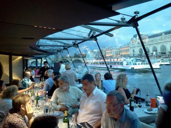 bateaux parisiens dinner picture of bateaux parisiens paris tripadvisor. Black Bedroom Furniture Sets. Home Design Ideas
