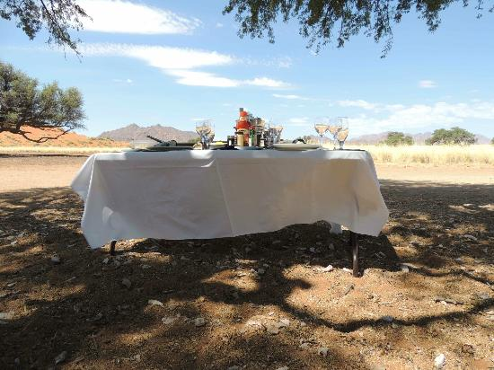 Hoodia Desert Lodge: lunch nach der Dünentour