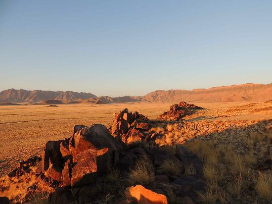 Hoodia Desert Lodge: sundowner