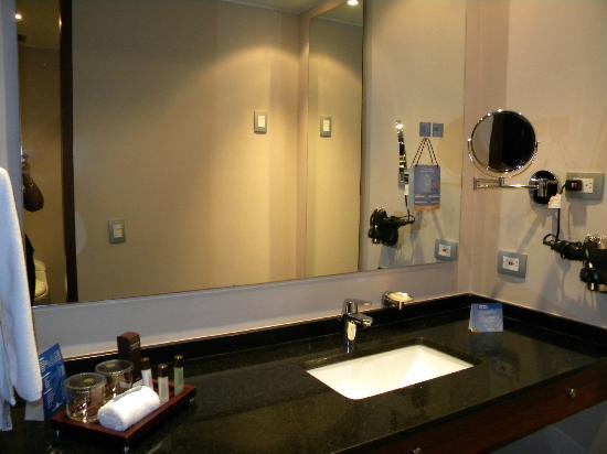 NH Collection Bogota Hacienda Royal: Bathroom