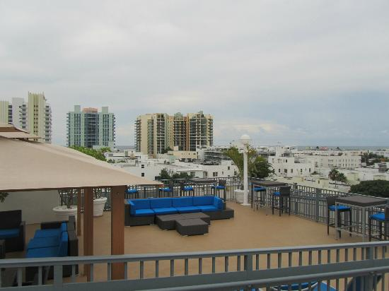 Courtyard by Marriott Miami Beach South Beach: Blick von Dachpool