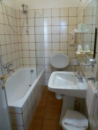 La Cisterna Hotel: Bathroom--Room 71