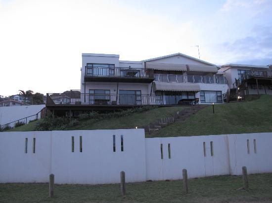 Fairlight Beach House : beach house