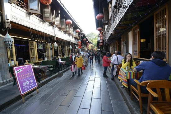 Chengdu, Cina: Cafes and shops on Jinli
