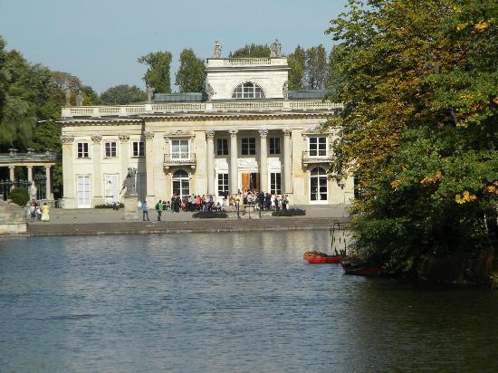 Lazienki Palace (Palac Lazienkowski): Palace front view