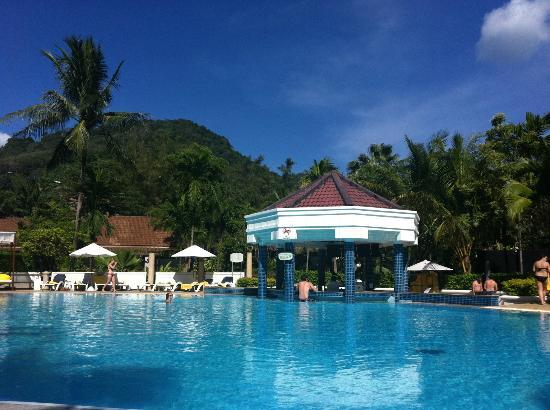 Centara Karon Resort Phuket: Lovely Pool Area