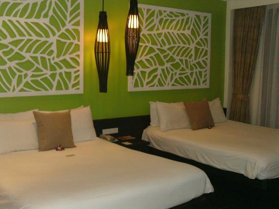 Centara Karon Resort Phuket: Nice Modern Rooms
