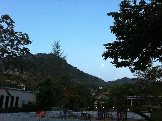 Centara Karon Resort Phuket: Hotel Grounds