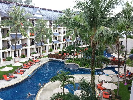 Swissotel Resort Phuket Kamala Beach: Pool view