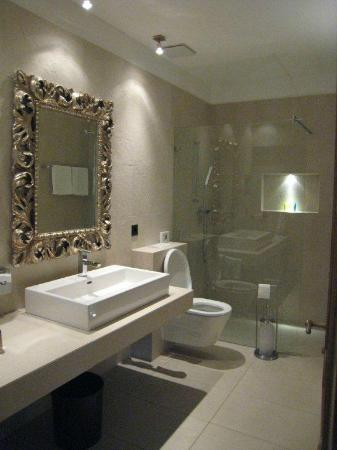 Albergo Losone: Bathroom