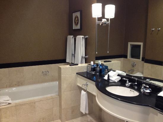 Kimpton Grand Hotel Minneapolis: Bathroom