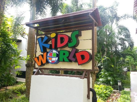 Swissotel Resort Phuket Kamala Beach: Kids World near the pool