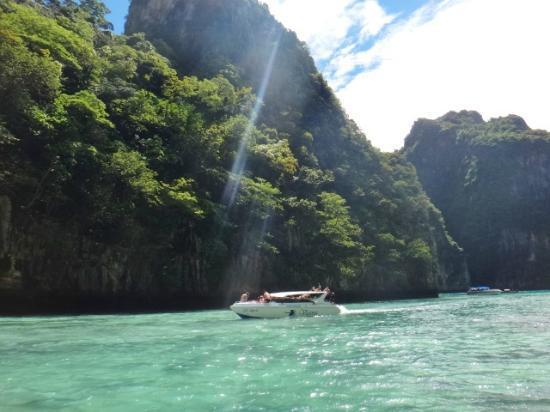 เกาะพีพีเล: koh phi phi le - by Cristiane Duarte