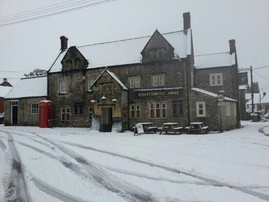 The Knatchbull Arms: Knatch in a snowy November 2012