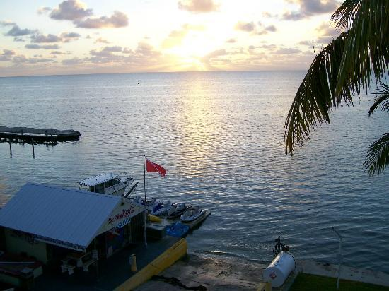 Amara Cay Resort: Room with a view! Sunrise on Islamorada