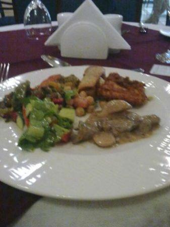 Royal Qatar Hotel: Buffet at hotel