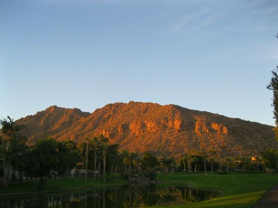 The Phoenician, Scottsdale: Camelback Mtn.