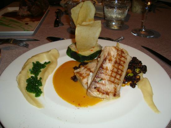 The Edge Restaurant Bar & Sushi: Mahi Mahi Fish