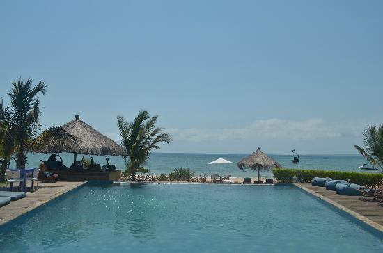 Villas do Indico Ocean Eco-Resort & Spa: The pool and it's amazing view