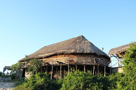 Bamboozi Beach Lodge: The restaurant