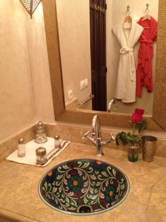 Riad Viva: Bathroom