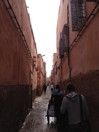 Riad Viva: The alley that leads to the hotel