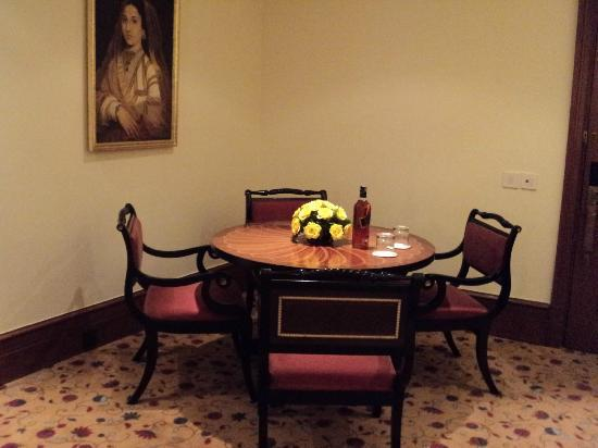 The Oberoi: In Room Dining area