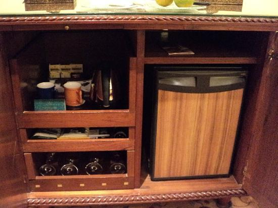 The Oberoi, New Delhi: Mini Bar