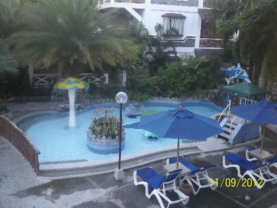 Blue Coral Beach Resort: kiddie pool