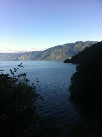 Kaalpul Atitlan Eco Hotel & Spa: Walking down from my room