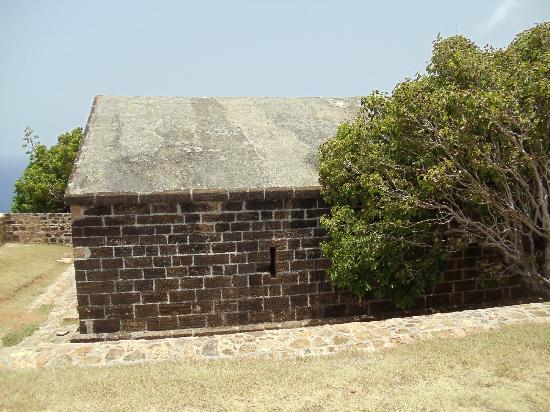 Voyages Antigua Tours and Services : Fort Block House